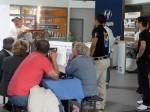 Treffen Pixeleispartner 2012 - Eine Torte wir vom Fanclub überreicht